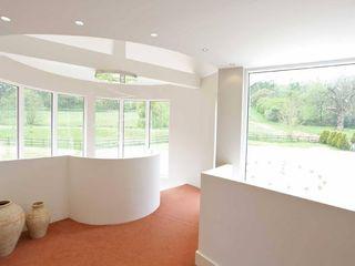 Draethen Farm House Conversion Smarta 現代風玄關、走廊與階梯