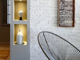 EK SUMMER HOUSE Esra Kazmirci Mimarlik Mediterranean style living room Grey
