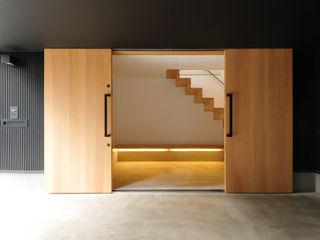 藤井伸介建築設計室 Moderner Flur, Diele & Treppenhaus