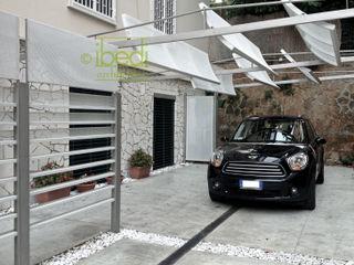 Modern Patio ibedi laboratorio di architettura Modern Terrace Iron/Steel White