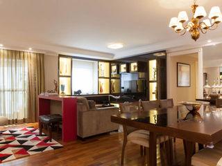 RK Arquitetura & Design Living roomCupboards & sideboards Engineered Wood Multicolored