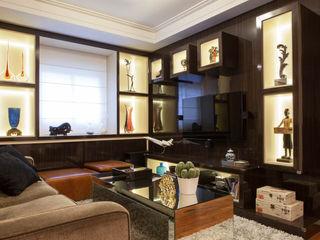 RK Arquitetura & Design Living roomTV stands & cabinets Engineered Wood Wood effect