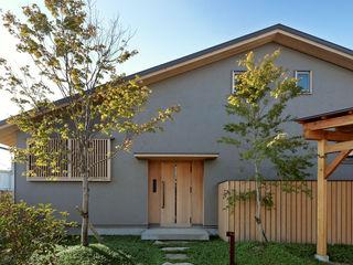 磯村建築設計事務所 Rumah Gaya Asia Kayu Grey
