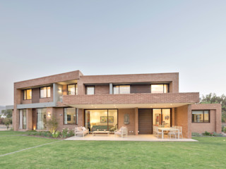 Grupo E Arquitectura y construcción Modern Houses