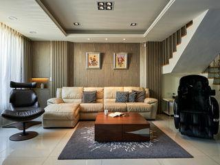 世家新室內裝修公司 Salas de estilo clásico