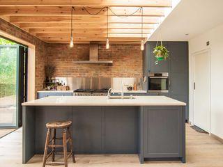 Epsom Bradley Van Der Straeten Architects Dapur Modern