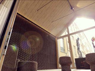 Microarch Smarthome   #fuorisalone Milano MODOM srl Pareti & Pavimenti in stile scandinavo Legno Marrone