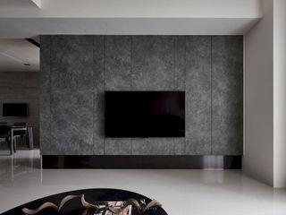 迷迭.灰 Planes of Greyscale 理絲室內設計有限公司 Ris Interior Design Co., Ltd. 现代客厅設計點子、靈感 & 圖片 磁磚 Grey