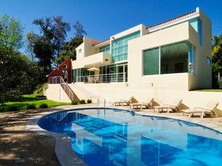 residencia retorno nogalera Excelencia en Diseño Albercas modernas Concreto Azul