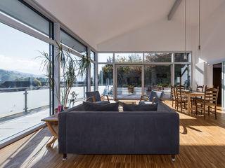 KitzlingerHaus GmbH & Co. KG Modern Living Room Engineered Wood White