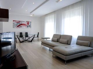 """"""" Polihouse"""" Luca Bucciantini Architettura d' interni Soggiorno minimalista Legno Bianco"""