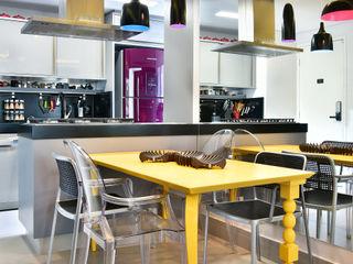 Move Móvel Criação de Mobiliário Dining roomTables Solid Wood Yellow
