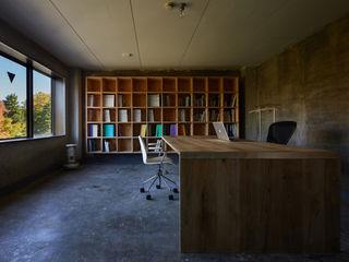 一級建築士事務所 こより minimalist style media rooms Multicolored