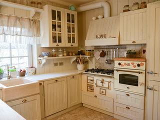 RI-NOVO Eclectic style kitchen Wood Beige