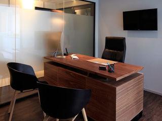 Black Canvas Architectural Interiors Oficinas y tiendas de estilo minimalista