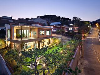 (주)건축사사무소 모도건축 Rumah Modern Kayu Brown