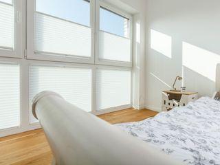 UNLAND International GmbH 窗戶與門百葉窗與捲簾 布織品 White