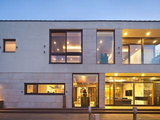 (주)건축사사무소 모도건축 Rumah Modern Batu Beige
