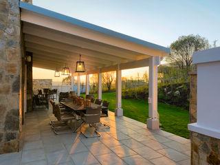 Gelding Construction Company (PTY) Ltd Colonial style balcony, porch & terrace