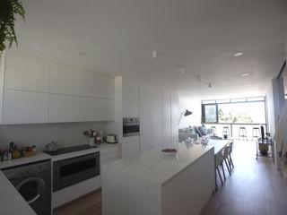 Kunst Architecture & Interiors Dapur Modern