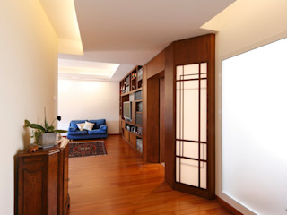 Daniele Arcomano Modern corridor, hallway & stairs Wood