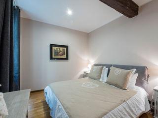 Angelo De Leo Photographer BedroomBeds & headboards Wood Wood effect