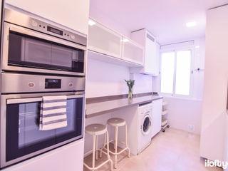Cocina y baño en Sant Martí iloftyou Cocinas de estilo moderno
