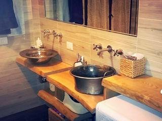 Restyling di un bagno Dilegno InLegno Bagno eclettico Legno Effetto legno
