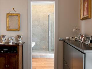 Appartamento in Pandino tIPS ARCHITECTS Camera da letto moderna