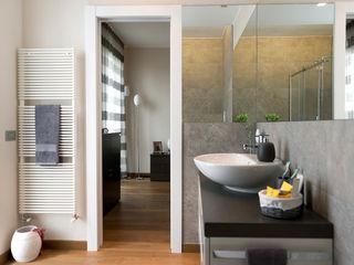 Appartamento in Pandino tIPS ARCHITECTS Bagno moderno