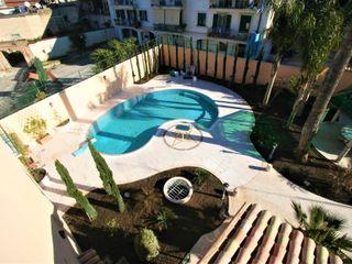 Casa con piscina. Imperatore Architetti Piscina in stile in stile classico