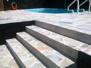 Rebello Pedras Decorativas Piscinas de estilo moderno Piedra Blanco