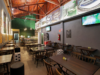 RK Arquitetura & Design Bars & clubs Concrete Multicolored