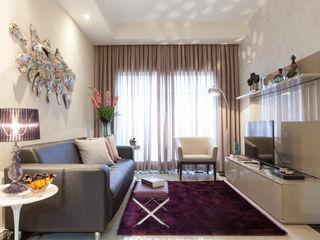 RK Arquitetura & Design Living roomCupboards & sideboards Engineered Wood Beige