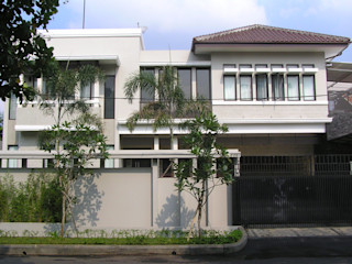 Jaspal House in Kemang Evolver Architects