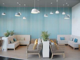 Lounge - Shopping 8ªAvenida MOYO Concept Centros Comerciais modernos Compósito de madeira e plástico Azul