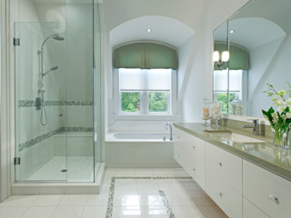 Modern Retreat Douglas Design Studio Modern bathroom Glass White
