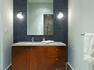 Modern Retreat Douglas Design Studio Modern bathroom Wood Grey