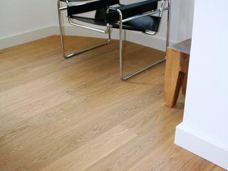 Stumpf Parkett GmbH Classic style living room Wood