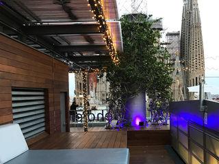 Iluminación terraza de un hotel OutSide Tech Light Hoteles de estilo minimalista