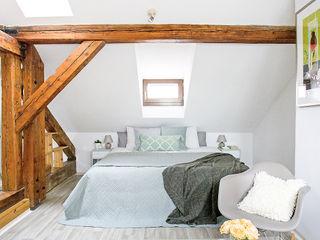 Apartment in Mala Strana #1 Stag Pads International Ltd. İskandinav Yatak Odası
