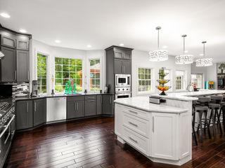 Main Line Kitchen Design Cozinhas ecléticas Quartzo