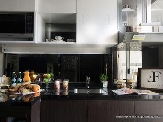 Flux Interior Кухня в стиле модерн Фанера