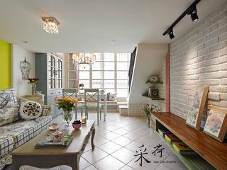 美式鄉村風-小坪數夾層屋 Color-Lotus Design 客廳 磁磚 White