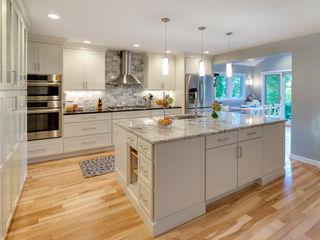 Main Line Kitchen Design Cozinhas clássicas Branco
