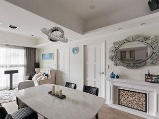 耀昀創意設計有限公司/Alfonso Ideas Country style dining room Wood-Plastic Composite White
