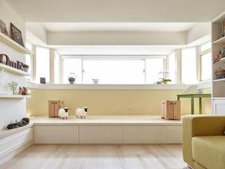 耀昀創意設計有限公司/Alfonso Ideas Country style balcony, veranda & terrace