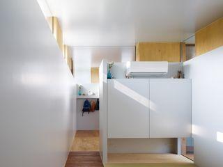 藤原・室 建築設計事務所 Moderner Multimedia-Raum Weiß