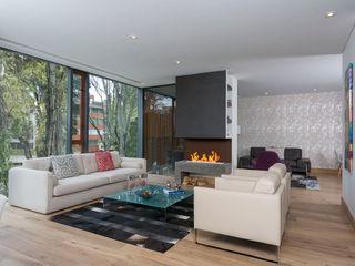 ATELIER CASA S.A.S Modern Living Room