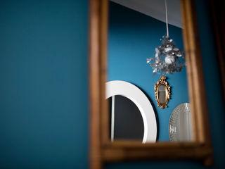 Couloirs Olivier Francheteau Couloir, entrée, escaliersAccessoires & décorations Bleu